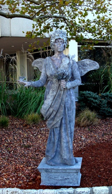 Living Statue Fairy Queen Event Planning NYC, Fairfield CT, Hamptons, Weddings, Bar Mitzvah, Bat Mitzvah, Corporate Events, Sweet 16, Event DJs, Bands