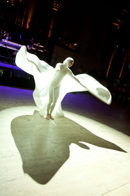 Living Statue White Angel Event Planning NYC, Fairfield CT, Hamptons, Weddings, Bar Mitzvah, Bat Mitzvah, Corporate Events, Sweet 16, Event DJs, Bands